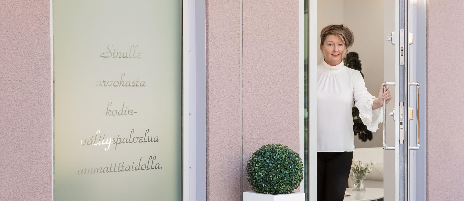 KodinLaatuvälitys-Marjo-ovella